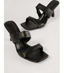 trendyol högklackade skor med remmar - black