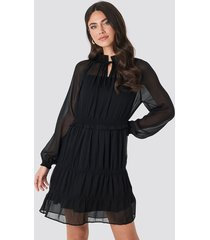 na kd boho frill v neck chiffon mini dress black