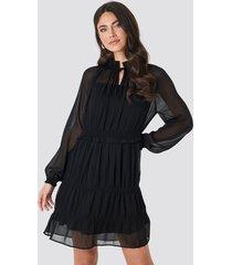 na-kd boho frill v-neck chiffon mini dress - black