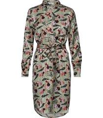 dress w. collar in walking zebra pr knälång klänning multi/mönstrad coster copenhagen
