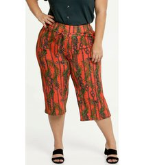calça feminina pantacourt estampa tropical plus size