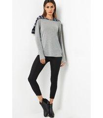 grey pullover long sleeves hoodie t-shirt