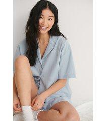 na-kd lingerie kortärmad ekologisk loungeskjorta - blue