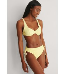 na-kd swimwear bikinitrosa med band i sidan - yellow
