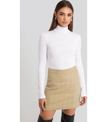 hoss x na-kd checked mini skirt - beige