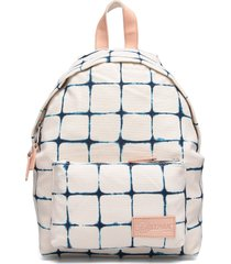 orbit sleek'r bags backpacks casual backpacks roze eastpak
