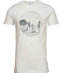 print tee t-shirts short-sleeved vit kronstadt