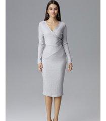 sukienka dopasowana midi z długim rękawem