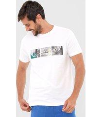 camiseta osklen surf and dance branca - branco - masculino - algodã£o - dafiti