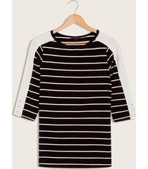 camiseta de rayas negro 10
