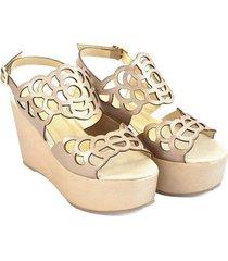 sandalia plataforma cuero dorado troquelado versilia lisbeth