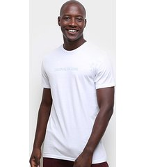 camiseta calvin klein ckj logo masculina - masculino