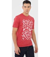 camiseta dudalina geométrica vermelha