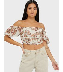 nly trend sheer wrinkle top t-shirts