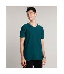 camiseta masculina básica manga curta gola v verde escuro