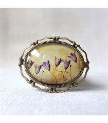 broszka z liliowym kwieciem - poziomo