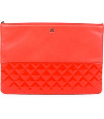 chanel o-case red quilted leather cc clutch bag red/logo sz: m