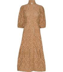 broderie anglaise maxiklänning festklänning brun ganni