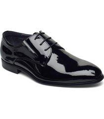 patent derby shoe snörade stövlar svart tga by ahler