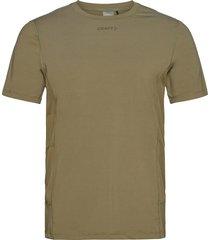 adv essence ss tee m t-shirts short-sleeved grön craft