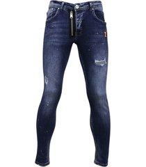 stoere jeans met paint drops