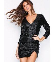 nly one fierce sequin dress paljettklänningar svart