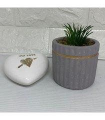 conjunto decorativo coraã§ã£o e vaso cinza com listra ros㪠- cinza - feminino - dafiti