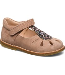 sandals - flat - closed toe - shoes pre walkers beginner shoes 18-25 rosa angulus