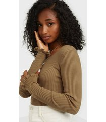 selected femme slfcosta ls frill knit wide neck b toppar