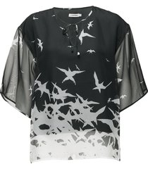 ilina placement print blouses short-sleeved grön j. lindeberg