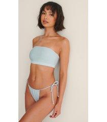 melissa bentsen x na-kd återvunnen bikinitrosa med knytdetalj - blue