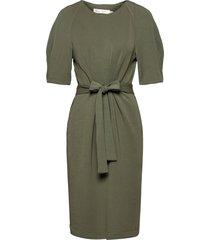 becaiw dress knälång klänning grön inwear