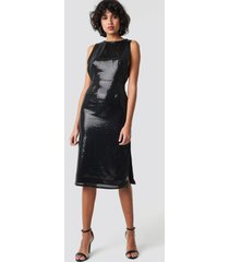 na-kd party open side sequin midi dress - black