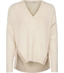 fuzzy v-neck knit with side slits stickad tröja creme scotch & soda