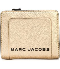 marc jacobs the metallic textured box mini compact wallet - gold