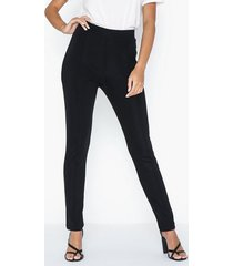 nly trend slim tailored pants byxor