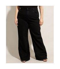 calça plus size wide jeans cintura super alta com barra desfiada preta