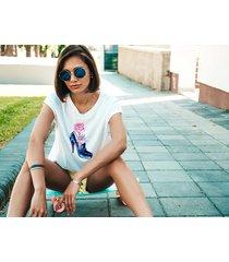 koszulka biała damska organiczna rose in the shoe