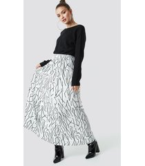 na-kd abstract print maxi skirt - white