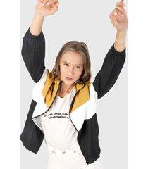 chaqueta mostaza-negro-blanco ambiance