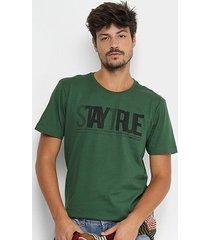 camiseta forum stay true masculina