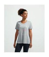 camiseta esportiva em viscose com estampa escrita trust yourself | get over | cinza | p