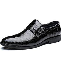 uomo scarpe da business in pelle di vitello a punta con motivo di coccodrillo