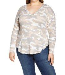 plus size women's bobeau sami camo v-neck top, size 3x - grey