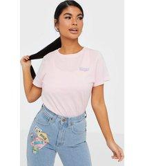 wrangler regular tee cradle pink t-shirts
