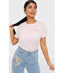 wrangler regular tee cradle pink t-shirts