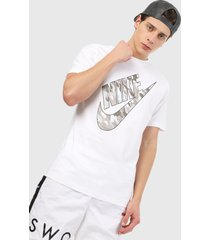 camiseta blanco-gris-beige nike club infil camo