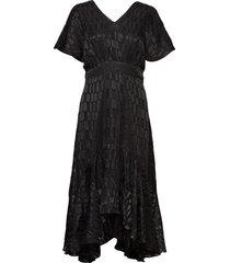 thora dress maxi dress galajurk zwart minus