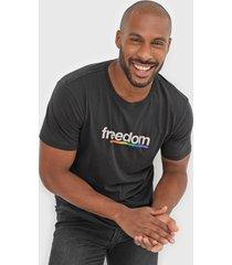 camiseta osklen freedom preta - preto - masculino - algodã£o - dafiti