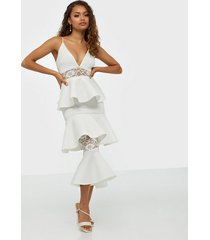 missguided lace panel scuba tiered midi dress loose fit